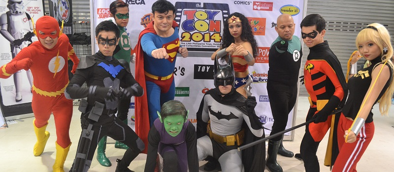 toycon_2014_cosplayers_cover